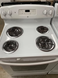 GE White Coil Top Stove.