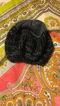 black and gray knit beanie hat Grove City, 43123