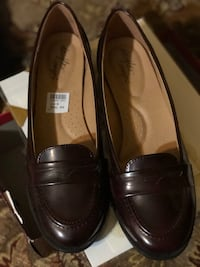 Dexter size 9 brand new ladies  penny loafers