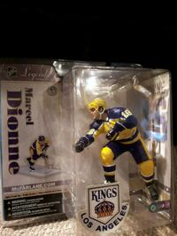 NFL player action figure in box Laval, H7M 2E1