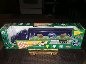 VINTAGE RARE COLLECTABLE 1FT LONG SUPER BOWL TRUCK DIE CAST NEW IN BOX