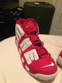 Supreme x air uptempo Surrey, V3S 4N9