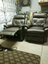 2 brown recliners from 2017 keystone rv Virginia Beach, 23452