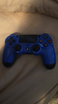 Blue sony ps4 wireless controller Airdrie, T4B 0J9