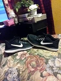 pair of black Nike running shoes Castroville, 95012