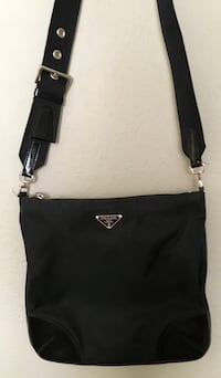 black and brown leather crossbody bag Austin, 78731