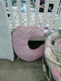 pink and white floral bouncer seat El Paso, 79930