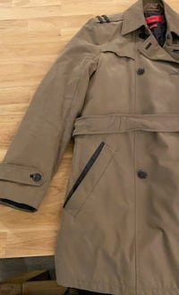 Hugo Boss Trench Coat Vancouver, V5Y 4A1