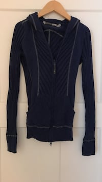 Athleta Zip-Up  Sweater w/ Hood (Size S) Danbury, 06810