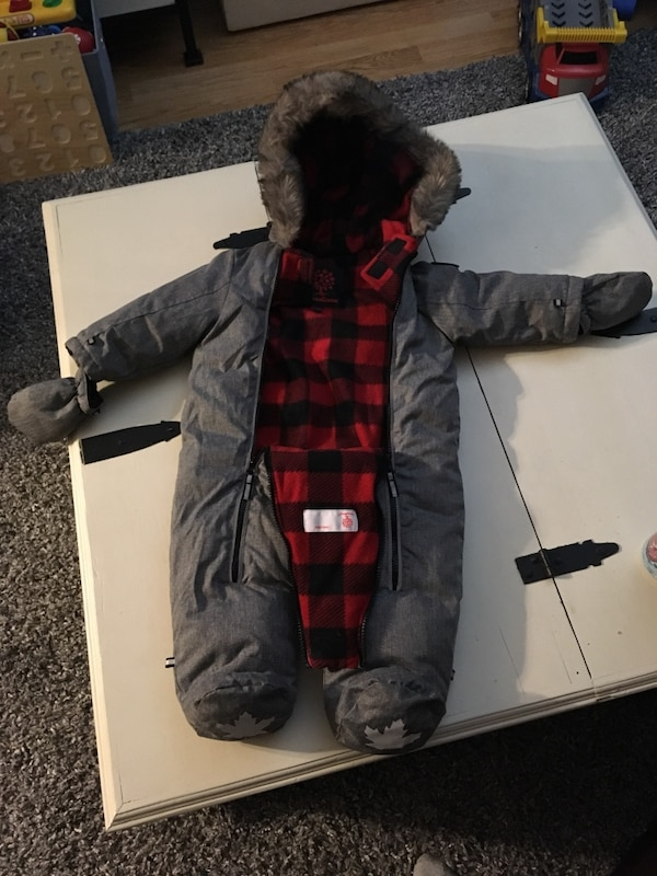 Canadiana Snow Suit 6-12 Months Brand New, Never Worn