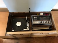 Silvertone Wood cabinet solid-state radio and record player Toronto, M1T 2J7