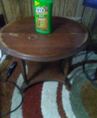 brown wooden round side table Huntly, 22640