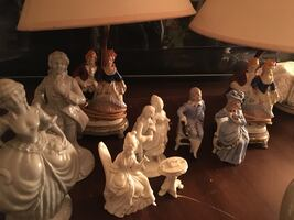 Vintage lamps and figurines