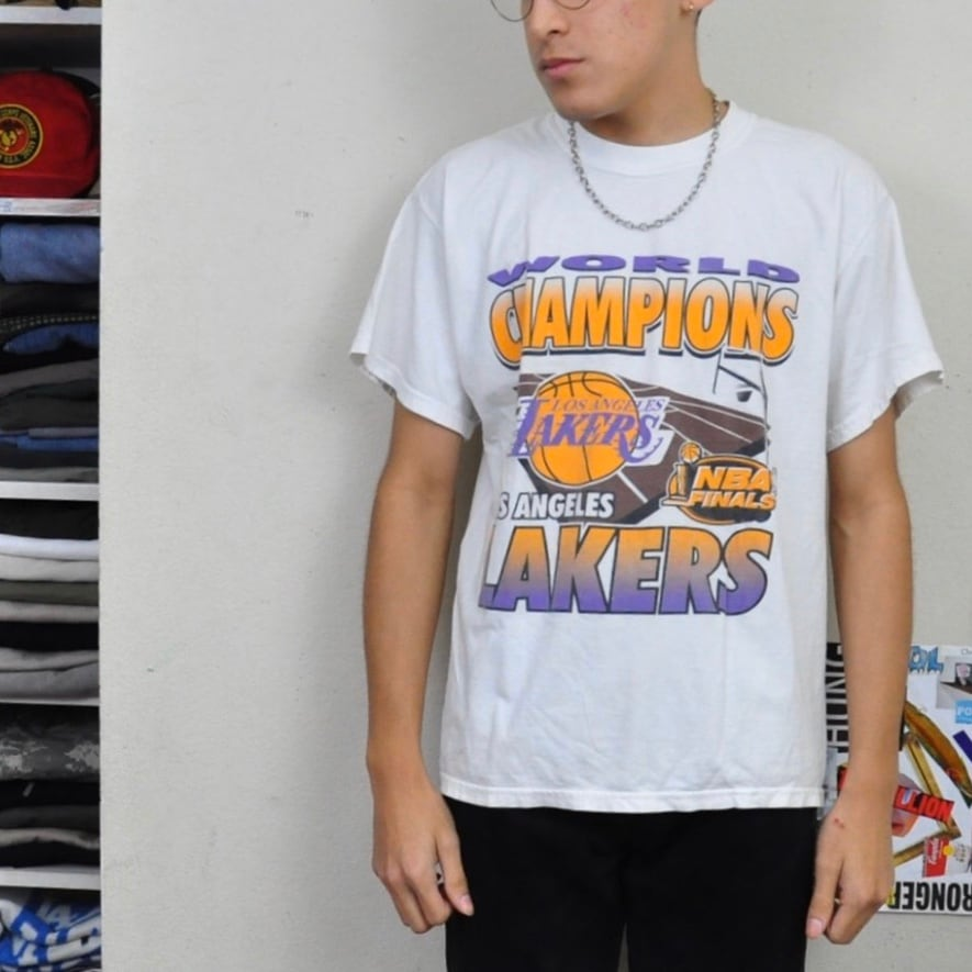 Lakers World Champions Tee
