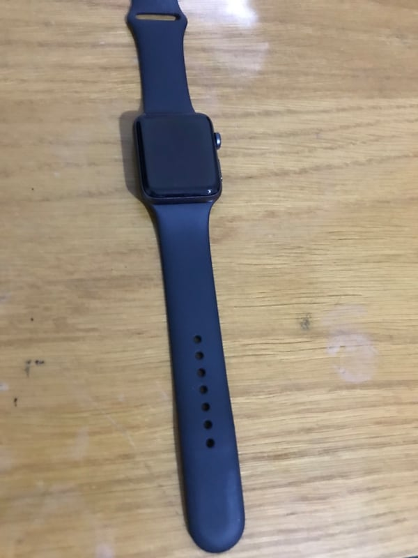 Apple Watch Series 3 42MM d2fc94bd-f830-4b9a-96cf-b5c1ae22eb0b