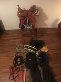 17 inch saddle lots of extras  Lynden, 98264