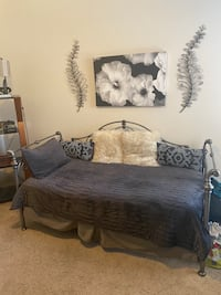 Daybed & Twin Mattress