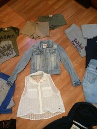 Teen clothing lot size s/sm  Hampshire, 60140