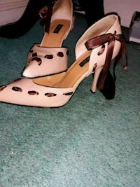 Tan-and-brown leather  pumps sz 8 Hampton, 23666