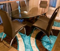 "7 pcs ""Dining table set"" with free area rug Mississauga, L5N 7Z7"