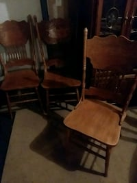brown wooden windsor armless chair Manteca, 95336