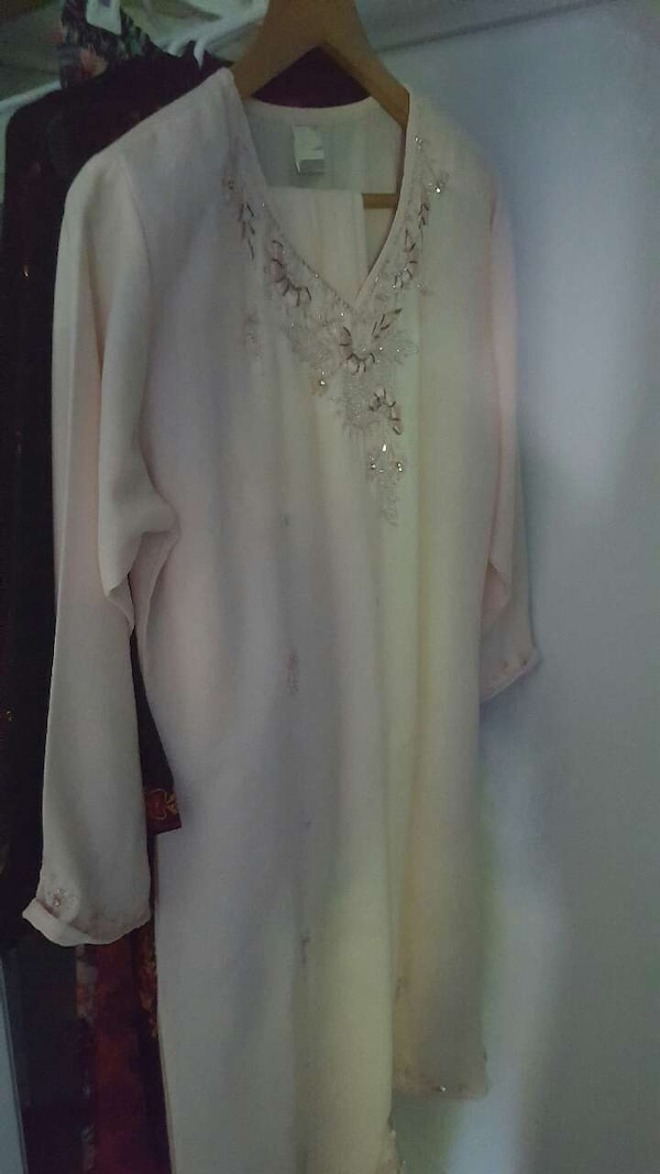 4aa429be55 Used Shavar Kames, Traditional Indian Clothing for sale in Highland Park -  letgo