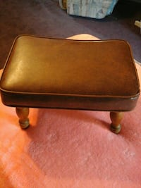 Brown leather footstool Berlin, 15530