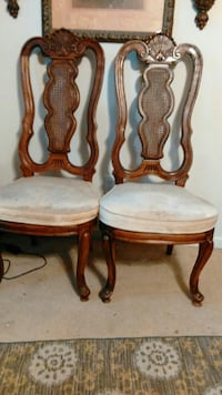 Beautiful chairs in excellent condition