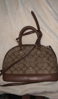 Real coach purse for cheap  Mississauga, L5N