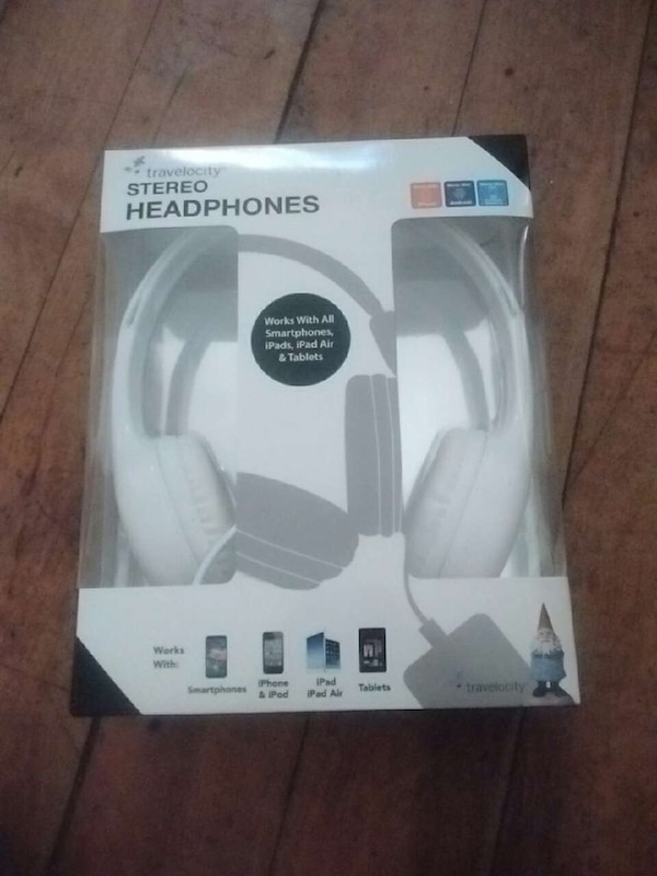 13fa9418e72 Used travelocity headphone new for sale in Worcester - letgo
