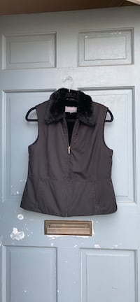 black zip-up vest Arlington, 22204