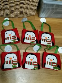 -Christmas Holiday Felt Matrial Gift Bags Queens, 11103
