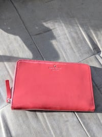 Kate Spade - Zip travel wallet (used)