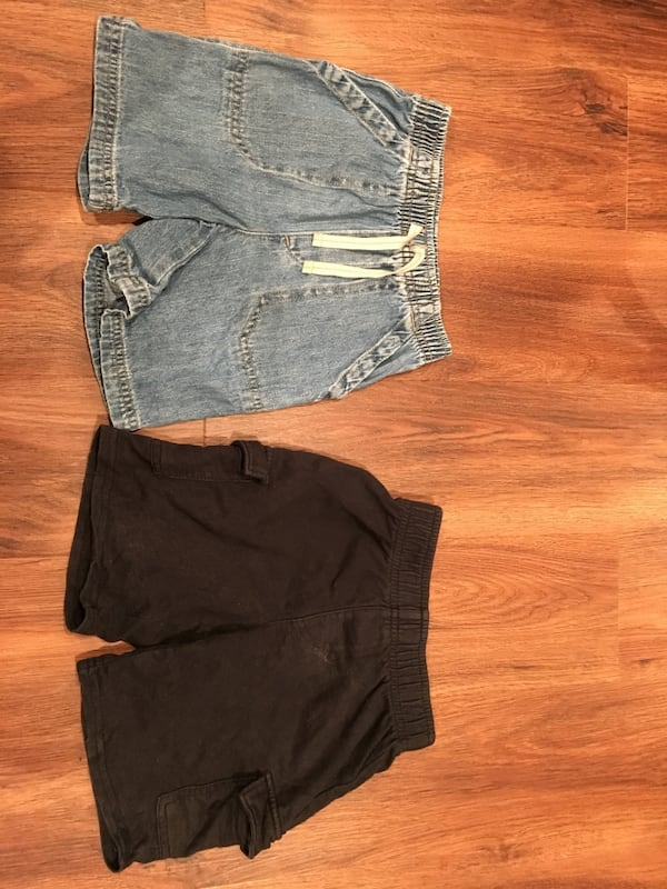 4T shorts - 2 pairs - very good condition! e641a107-f9ad-41dd-9949-115cd5530744