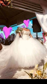 women's white wedding ball gown. Serious buyers only  Toronto, M3N 1N3