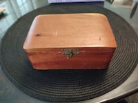 Vintage small cedar box. Chevy Chase, 20815
