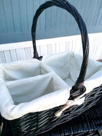 Wicker hand basket
