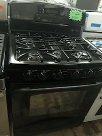 GE gas and Eléctric stove perfectly conditions 4months of warranty  Bowie, 20715