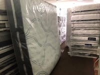 white and gray floral mattress Baltimore, 21222
