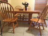 Brown wooden dining table set Lynn, 01902