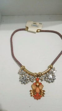 gold-colored chain /necklace