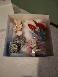 Lot of costume clip on earings Ball Ground, 30107