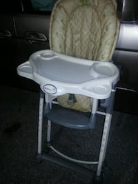 Like new adjustable high chair  Glen Burnie