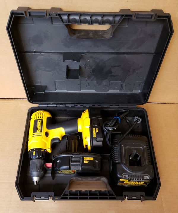 """Dewalt DC759 18V 1/2"""" Cordless Drill, 2 Battery, Charger, Hard Case 4a9566c0-cb23-4ccd-bc24-00ad135c5a66"""