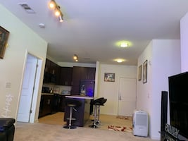 a large clean room to rent 1 bedroom 1 toilet living room dining room $ 89 per night