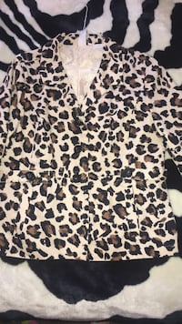White and black leopard print dress shirt Anaheim, 92802