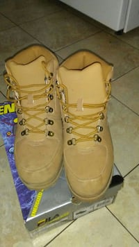 pair of beige work boots San Angelo, 76901