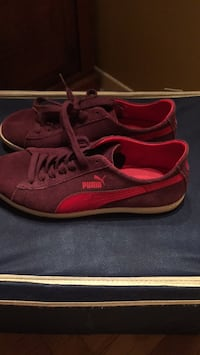 Pair of red and purple puma low top sneakers Gatineau, J8T