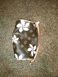 black and white floral leather wristlet Ash Grove, 65604