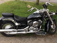 black and gray cruiser motorcycle
